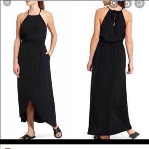 Athleta Ripple Keyhole Maxi Dress